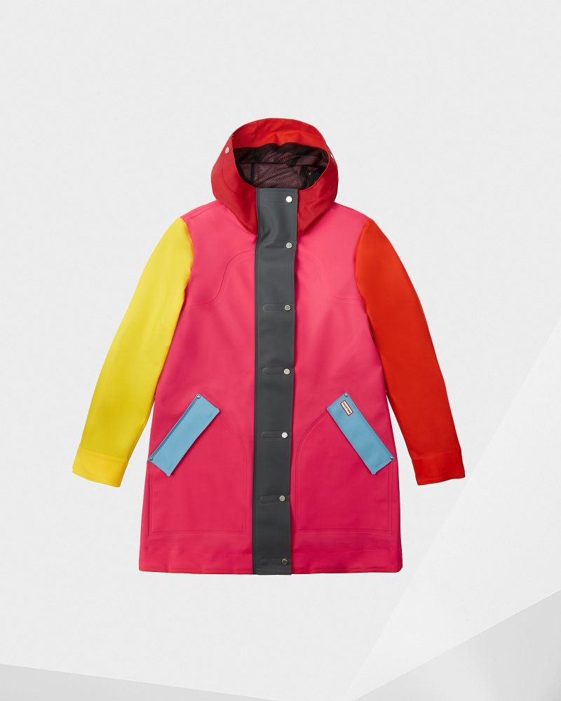 "<Span Itemprop=""Name"">Women's Original Color Blocked Rubberized Hunting Coat</Span>:                     <Span>Bright Pink</Span> by Hunter"