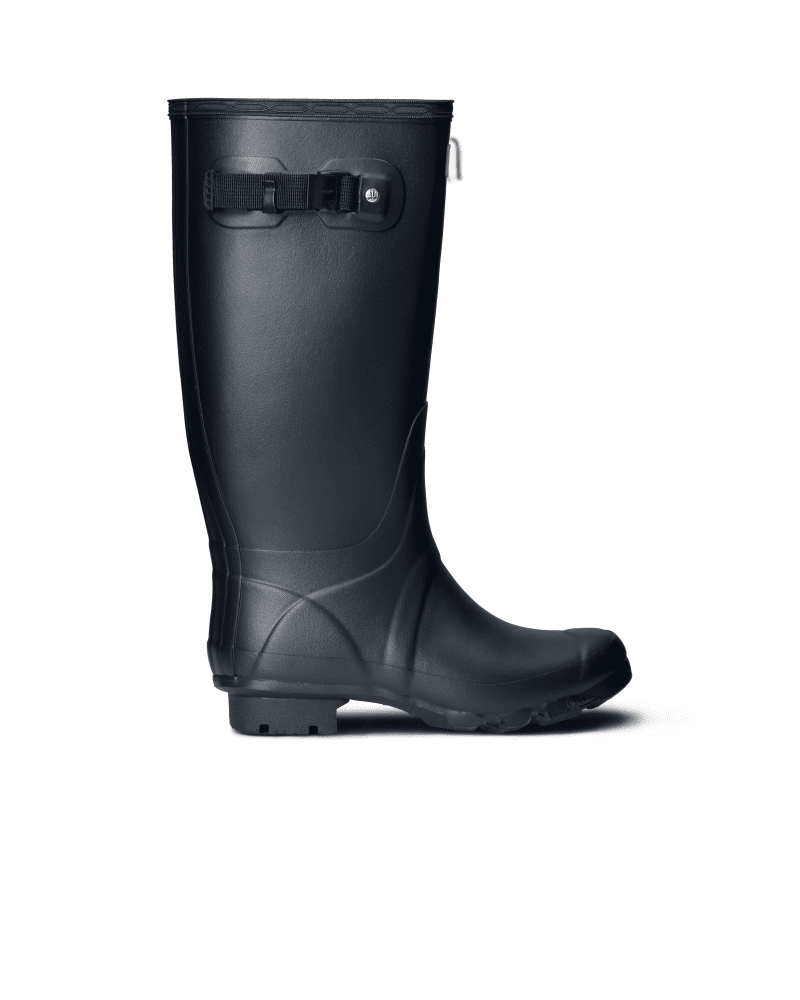 *Size/Fit Summary: True to size, Wide fit* The Huntress Rain boot is a durable design, handcrafted from a new soft rubber compound. This feminine style features a lower leg length and wider calf for optimum comfort. In a zigzag construction, the robust sole is durable, offering high traction and mud release.