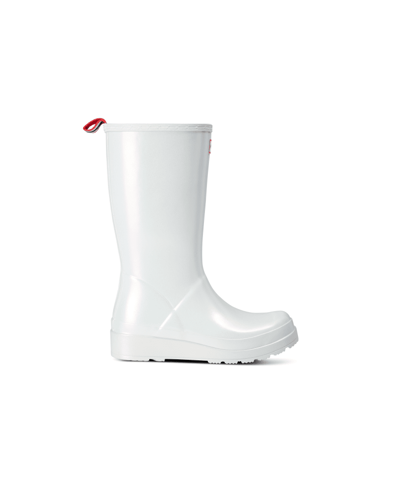*Size/Fit Summary: Slightly larger size, Regular fit. If you are in-between sizes, it is recommended to size down* Inspired by moonlight hitting glistening Scottish Coastal waters and glassy rockpool surfaces, the Nebula Play Boot is one of its kind. Simplifying the iconic design of the Original Tall Boot, the Play Boot offers a dynamic silhouette with a flatter platform sole for maximum comfort and versatility. Crafted from the highest quality natural rubber, this women\\\'s wellington is 100% wat