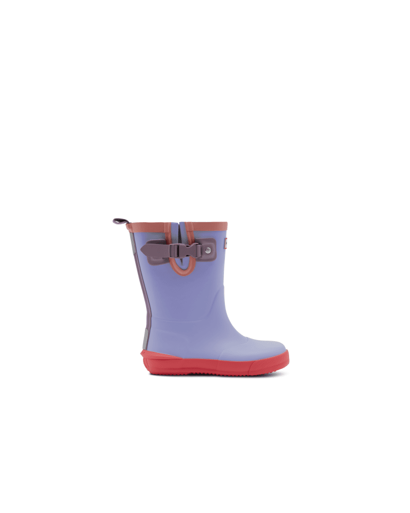 *Size/Fit Summary: True to size, Regular fit. Sizing suitable for 18 months to 8 years old (size 5-2)* Take the fun of the wild wherever you go with this bright purple Kids Rain Boot. With colorful and fun contrasting details, your little one won\\\'t want to take this vibrant boot off. Perfect for puddle splashing, each boot is handcrafted from natural rubber. A flat sole and rounded toe gives little feet room to move and with the added safety of reflective patches and the Hunter Original tread, s